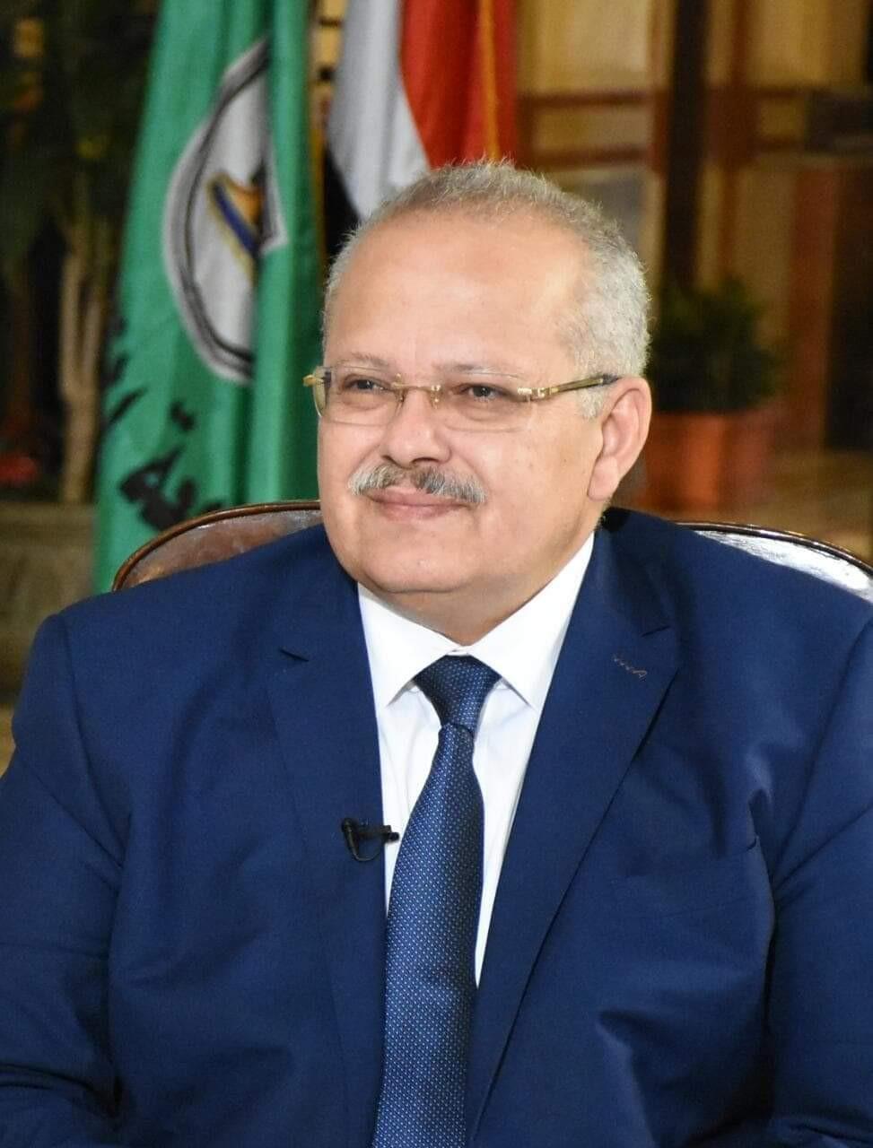 رئيس جامعة القاهرة: تخصيص 90 منحة مجانية كاملة لـ30 طالبا الأوائل في كل شعبة بالثانوية العامة 11-11-11