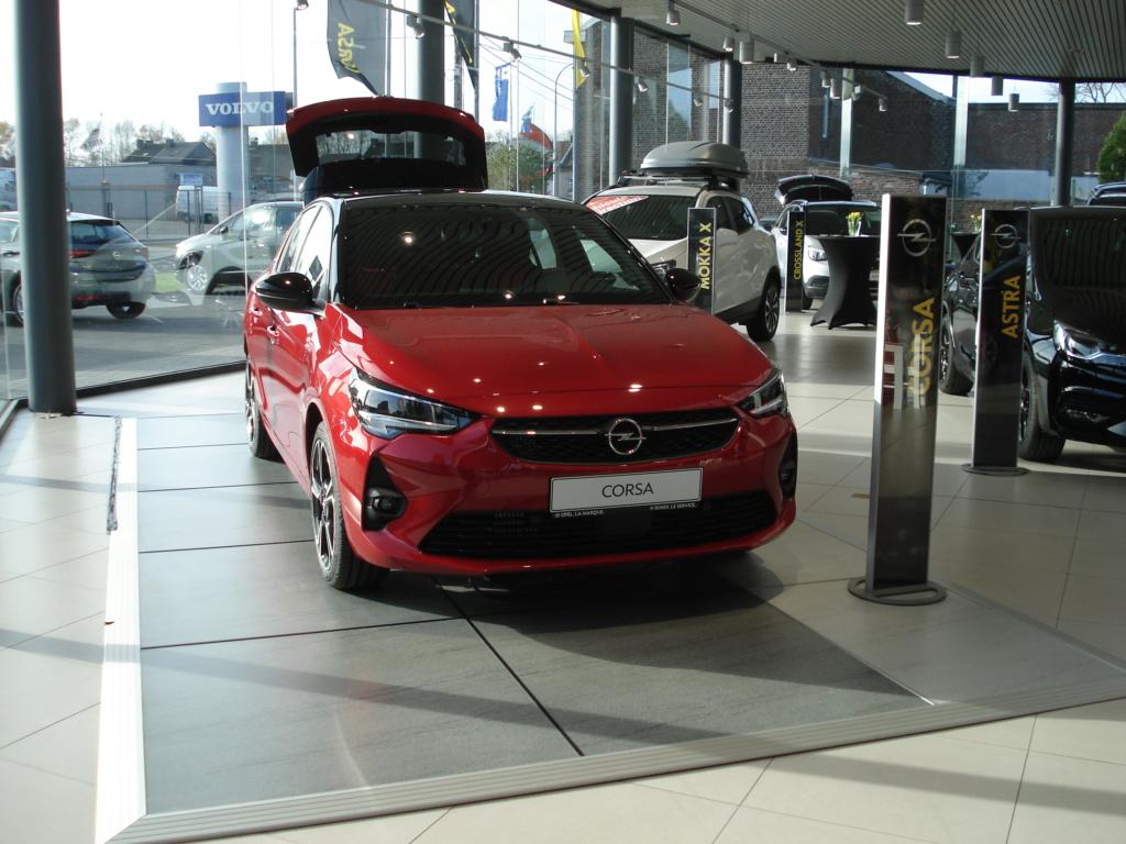 Les 22, 23 et 24 novembre 2019 au Garage Opel Renier à Soumagne. - Page 2 Dsc00209