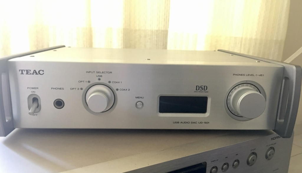 Teac UD 501 DAC with USB Ad66a310