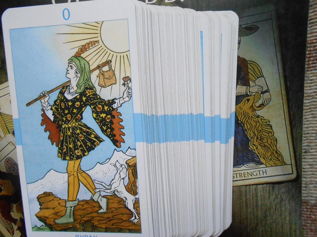 Продаю карты таро из своей коллекции Dscn1547