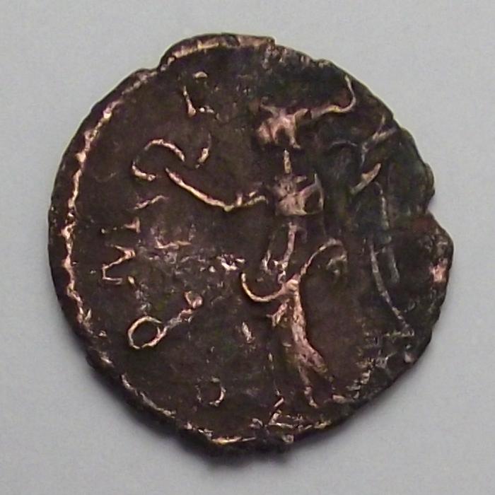 Antoniniano de Tetrico I. COMES AVG. Trier Cruz15