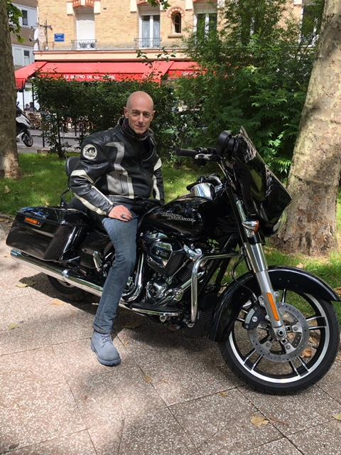 combien de STREET GLIDE  sur le forum Passion-Harley - Page 13 Pvo_hd10