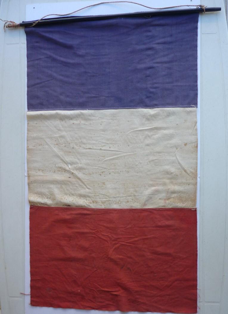 Trouvailles du week-end (drapeaux libé, cartes, papiers WW1...) 05_110