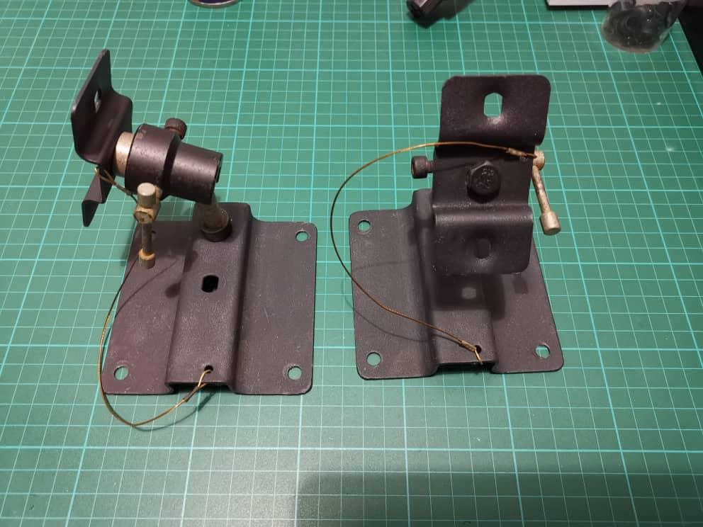 Speaker wall mount bracket (sold) 03237310