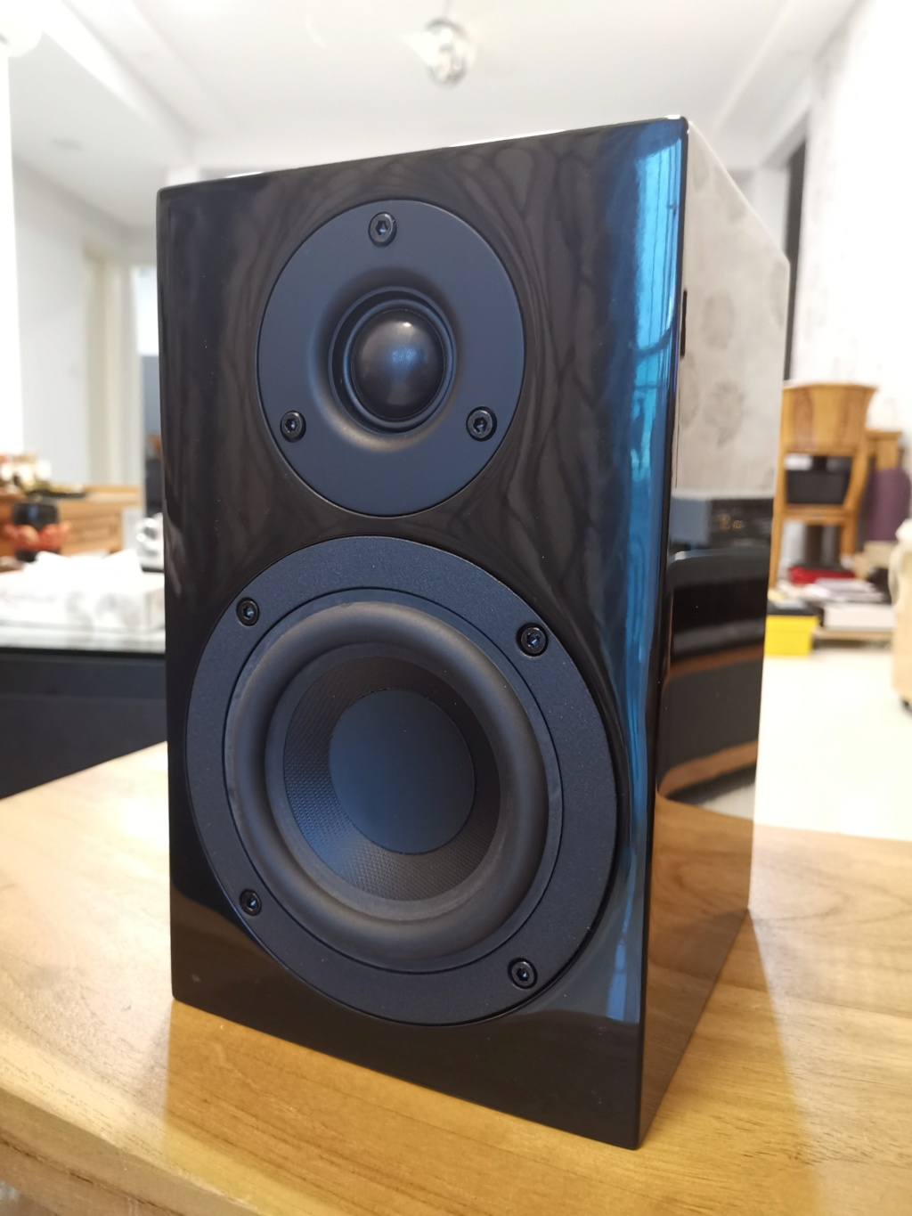 Pro-ject Speaker Box 4 bookshelf speakers - sold 210