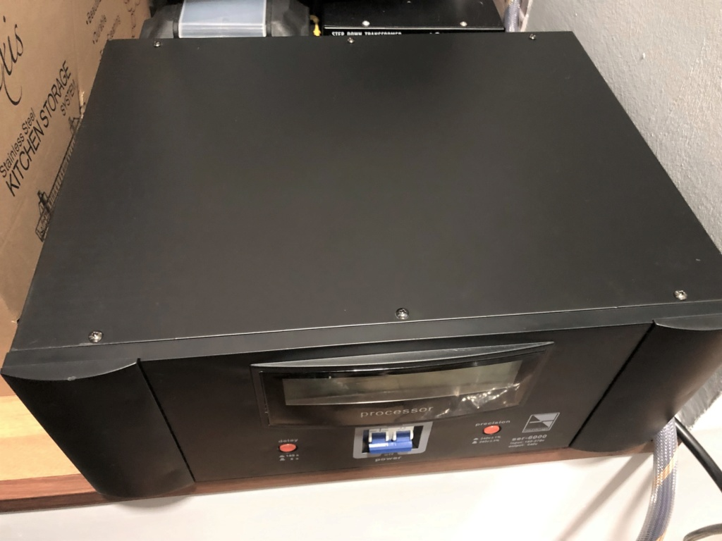 Soundstage SER-6000 Auto Voltage Regulator Img_1823