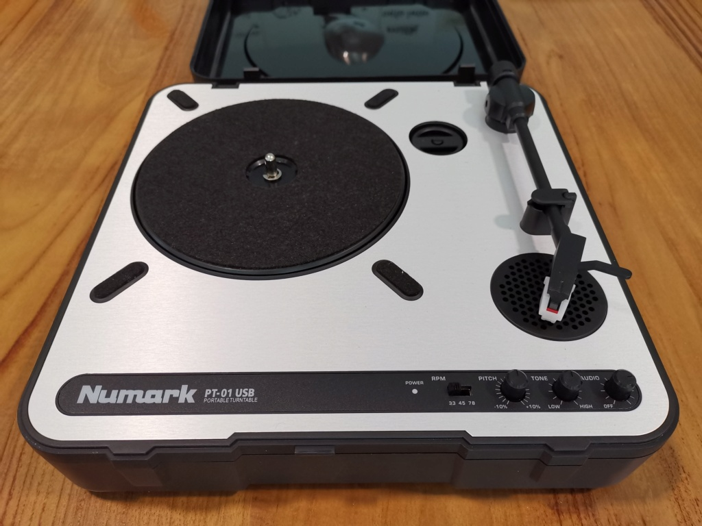 Numark (PT-01 USB) portable turntable - sold Img_2012