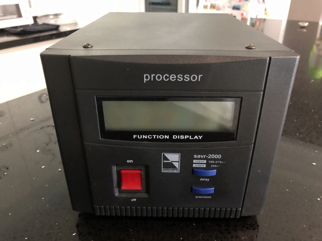 Soundstage SAVR-2000 Auto Voltage Regulator -sold Img_2610