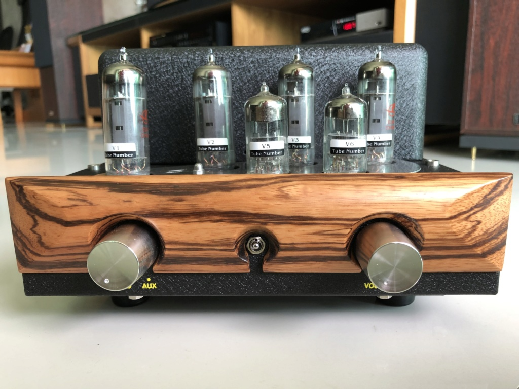 Yarland Integrated EL84 Tube amplifier -sold Img_2920