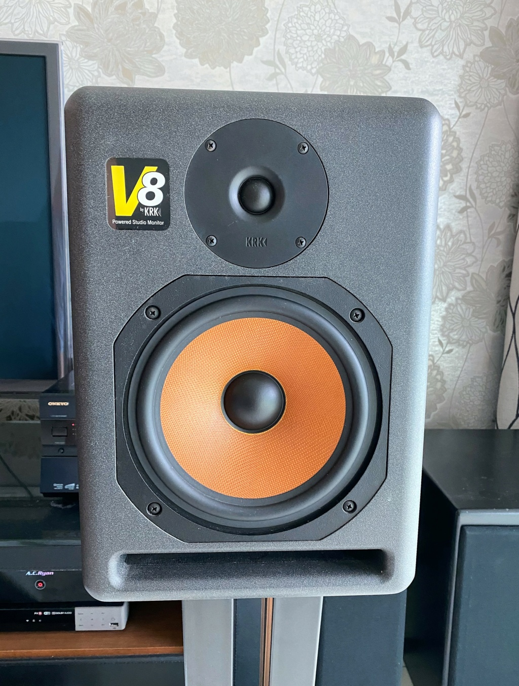 KRK V8 S1 Active Studio Monitors (sold) Img_5821