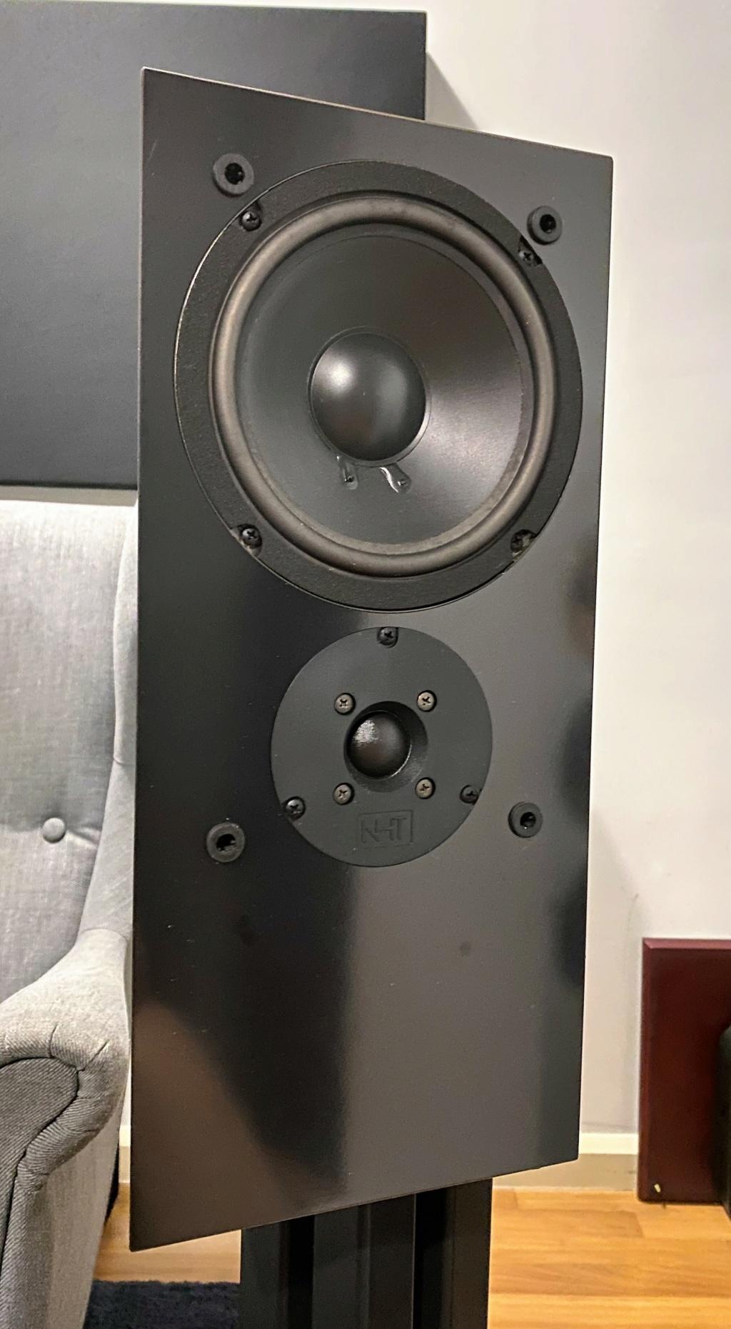 NHT 1.3A bookshelf speaker Img_8110