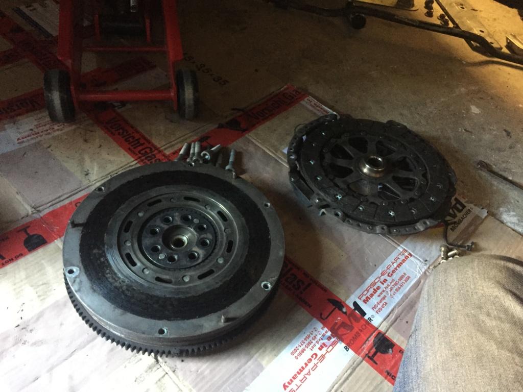 Casse moteur boxster 986 m96-22 A8948910