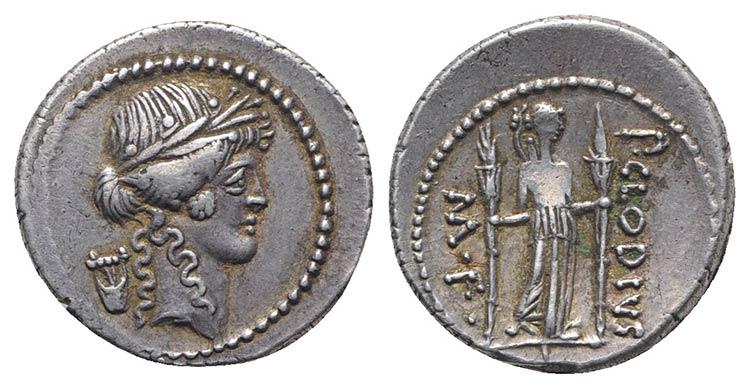 Denario de la gens Claudia. P. CLODIVS – M. F. Diana Lucífera estante de frente. Roma. 73510