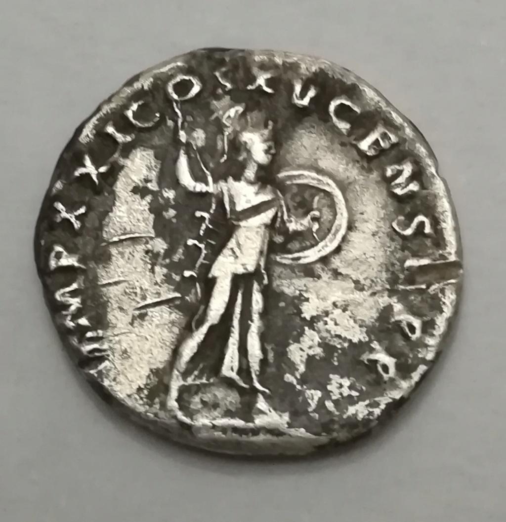 Denario de Domiciano. IMP XXI COS XV CENS PPP. Minerva avanzando a dch. Roma Img_2018