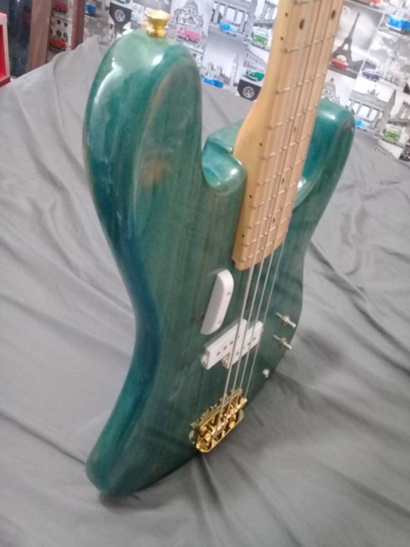 Montando um precision bass 20181212