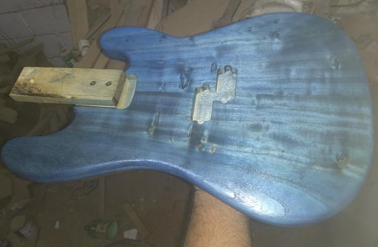Montando um precision bass Captur12