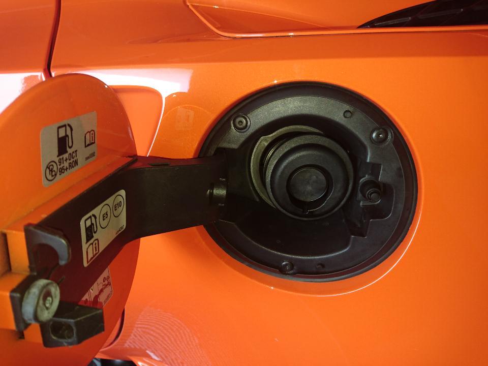 Clapet reservoir essence c7 Dsc_0510