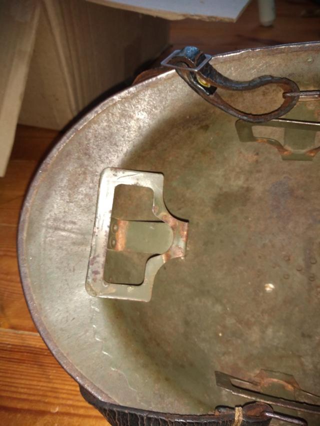 Remontage d'attribut sur casque adrian mod 26 15593710