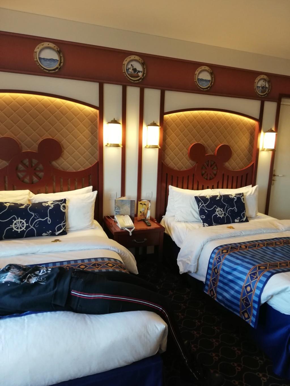 Disney's Newport BAY Club : COMPASS CLUB - Page 30 Img_2011