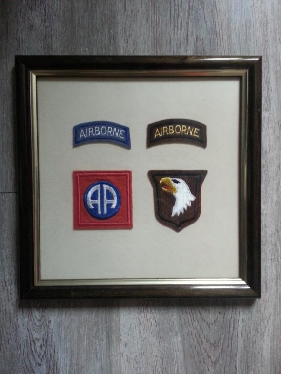 Cadre avec insignes 82 et 101 eme Airborne Thumbn10