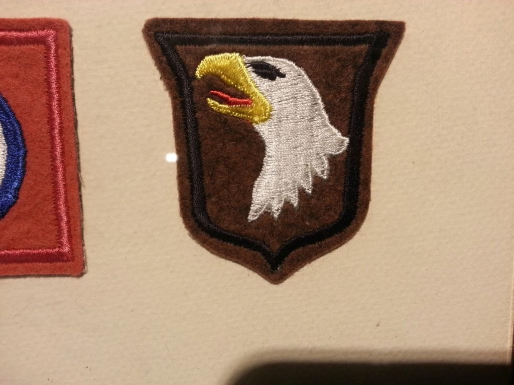 Cadre avec insignes 82 et 101 eme Airborne Thumbn11
