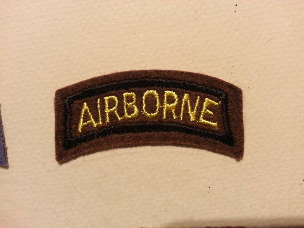 Cadre avec insignes 82 et 101 eme Airborne Thumbn12