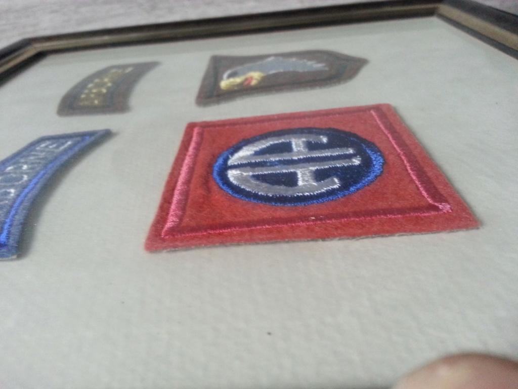 Cadre avec insignes 82 et 101 eme Airborne Thumbn16