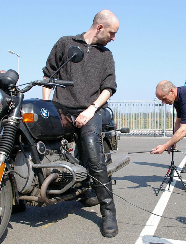 Bruit des motos : comment le mesure-ton ? 151_ra10