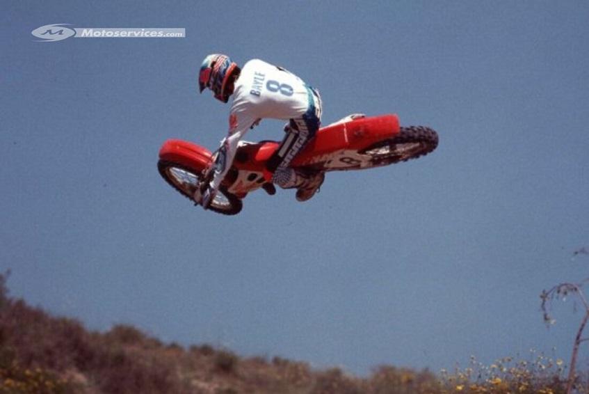 8 juin 1991, Jean Michel Bayle devient champion des USA de Supercross ! Bayle_11