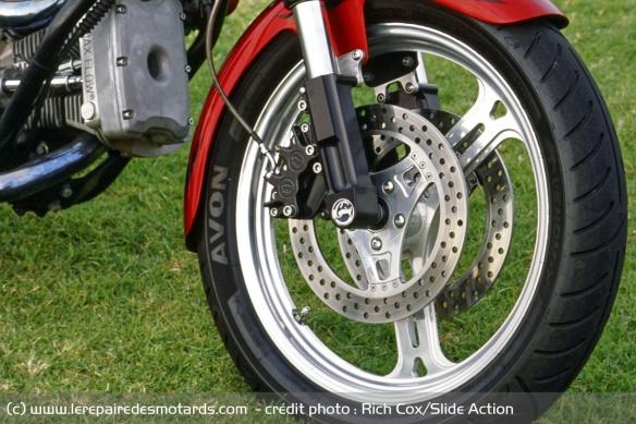 Essai moto Feuling W3 Frein-11