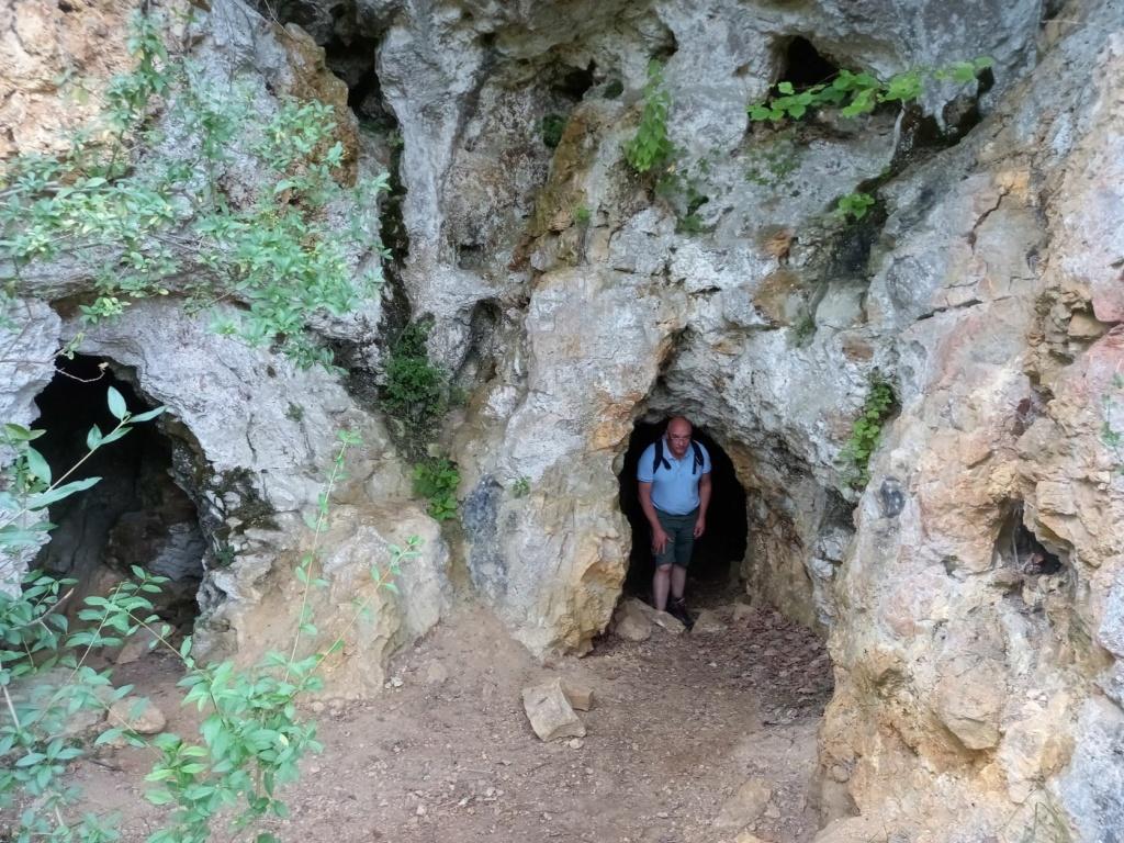 petite randonnée dans le Morvan Grotte10