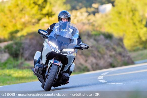 Essai moto Honda GoldWing GL1800 DCT 2021 (+vidéo) Honda-18