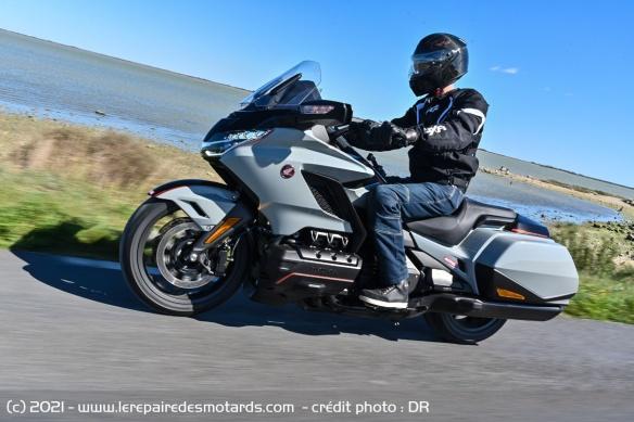 Essai moto Honda GoldWing GL1800 DCT 2021 (+vidéo) Honda-20