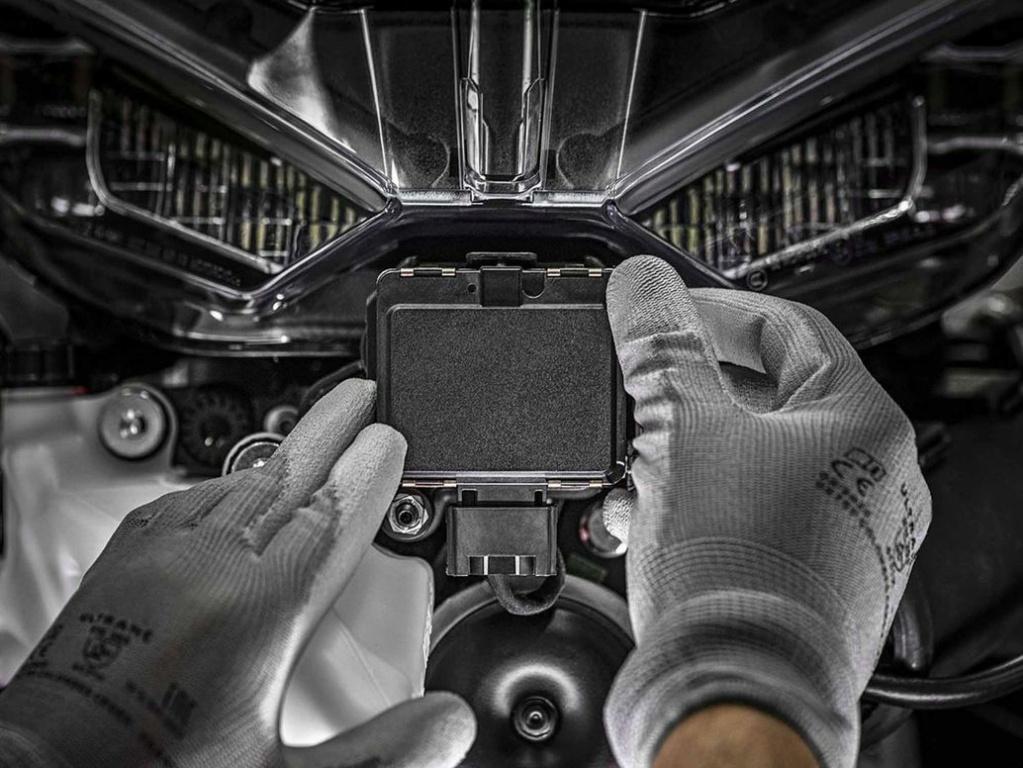 Après Ducati et BMW, au tour de la Goldwing de passer au radar Honda_13