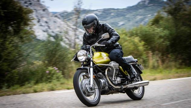 V7 750 Sport : la Guzzi la plus sportive de l'Histoire (+vidéo) Moto-g10
