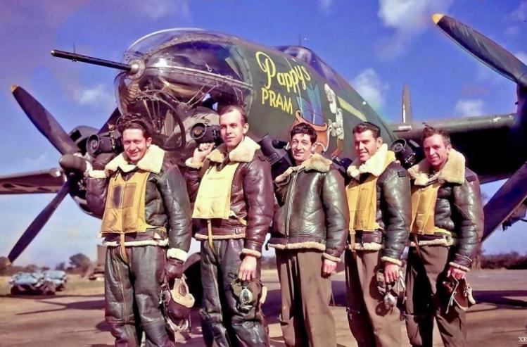 Le cuir des héros : La saga des blousons d'aviateur Snip_603