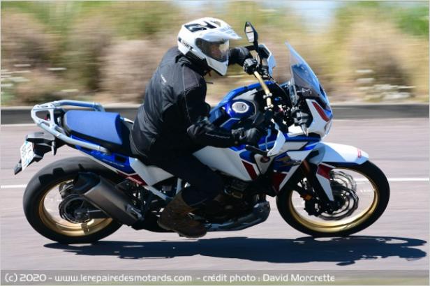 Comparatif - BMW R 1250 GS Adventure VS Honda CRF 1100 L Africa Twin Adventure Sports: les trails au sommet Uuuzoz10