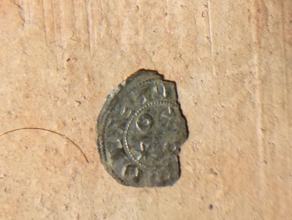 Dinero de Alfonso VI. Toledo. Dinero de la creación Dsc_1210