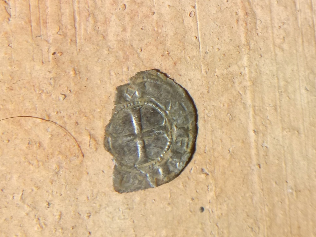 Dinero de Alfonso VI. Toledo. Dinero de la creación Dsc_1211