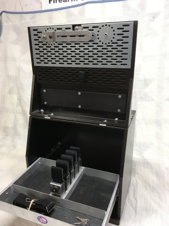 SOLD    Strong Case 4 Gun Box  NIB Img_2512