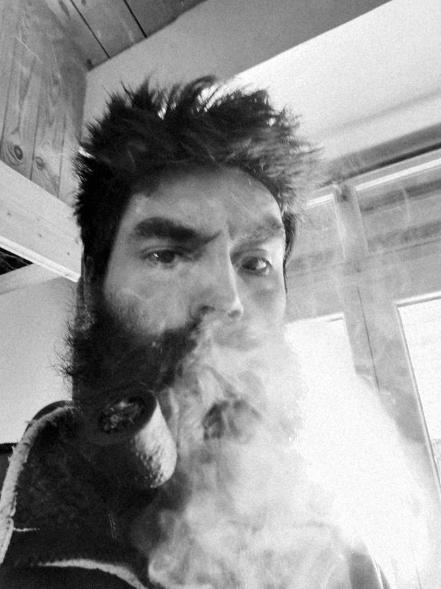 Saint Olivia, du bon tabac dans nos bois brûlera Img_2114