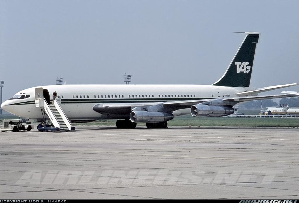 Les 2 Boeing 707 des FRA 15990710