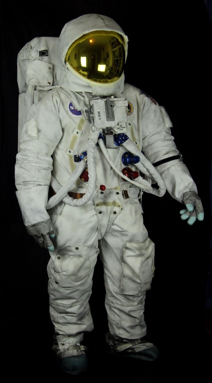 Creation non toys: ma combi lunaire Apollo Apollo10