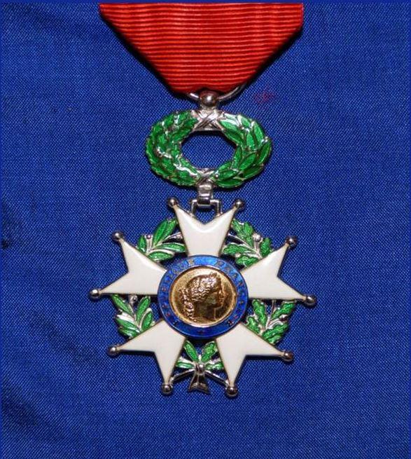 Le général d'armée (2s) Jean-Louis GEORGELIN Grand Chancelier de la Légion d'Honneur répond aux questions et incompréhensions suscitées par la promotion du 1er janvier 2016 Legion10
