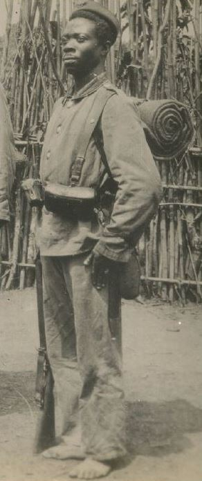 CARTOUCHIERE 1887 ? WW1 pour Mauser ? Schutz10