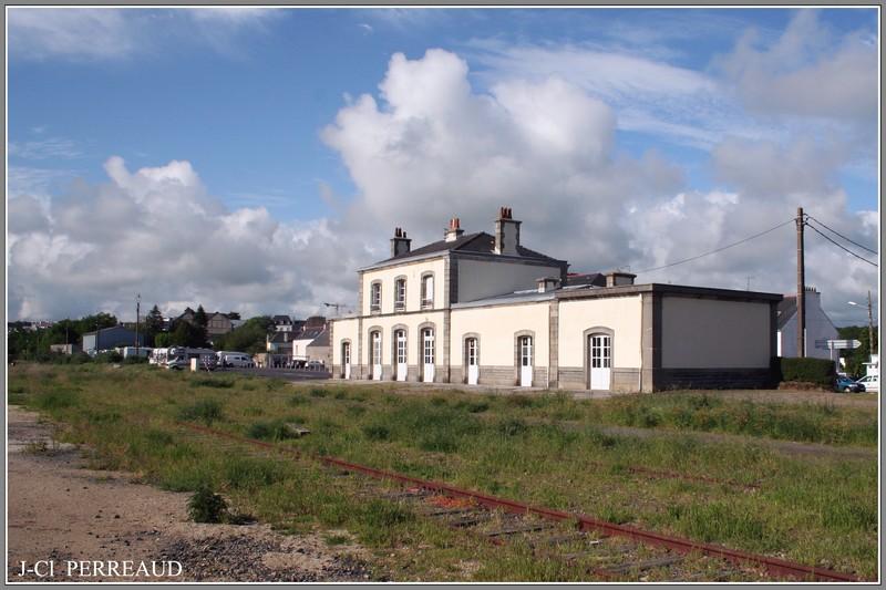 Pk 679,7 : Gare de Concarneau (29) - Page 2 Concar10