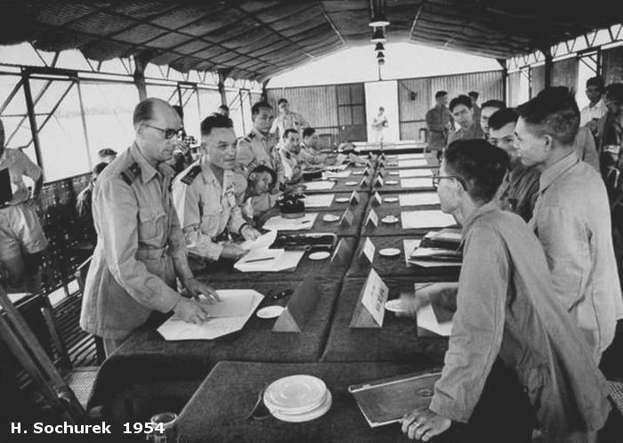 [Opérations de guerre] INDOCHINE - TOME 3 - Page 4 Hs_col10