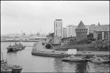 [Les ports militaires de métropole] Port de BREST - TOME 3 - Page 7 000-b810