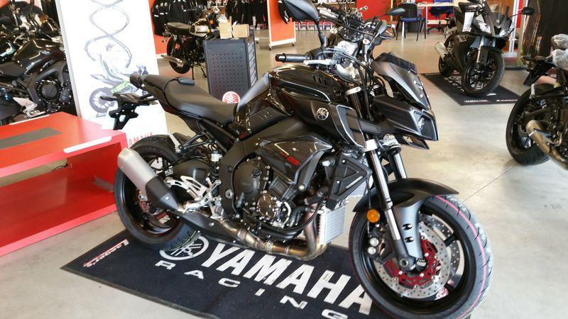 Yamaha lance la ... MT-10 ! Officiel ! - Page 11 20160516