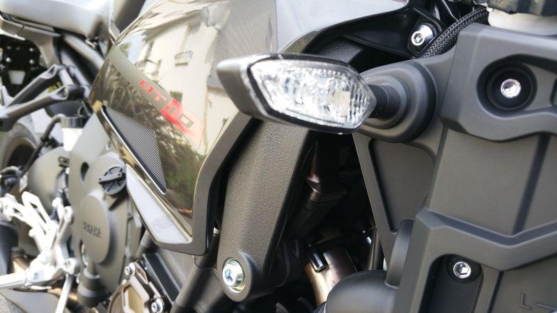 Yamaha lance la ... MT-10 ! Officiel ! - Page 11 20160518